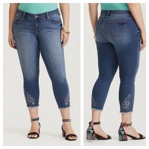 Torrid Skinny Jeans Eyelet Cropped Jeans Size 12